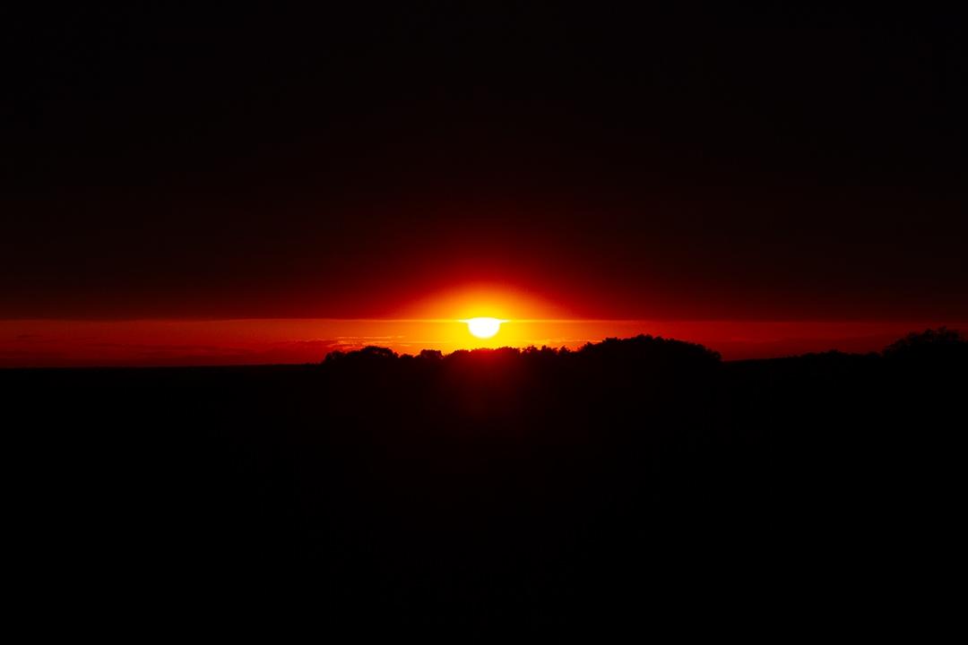 Sunsets-Eye_by_sylphire