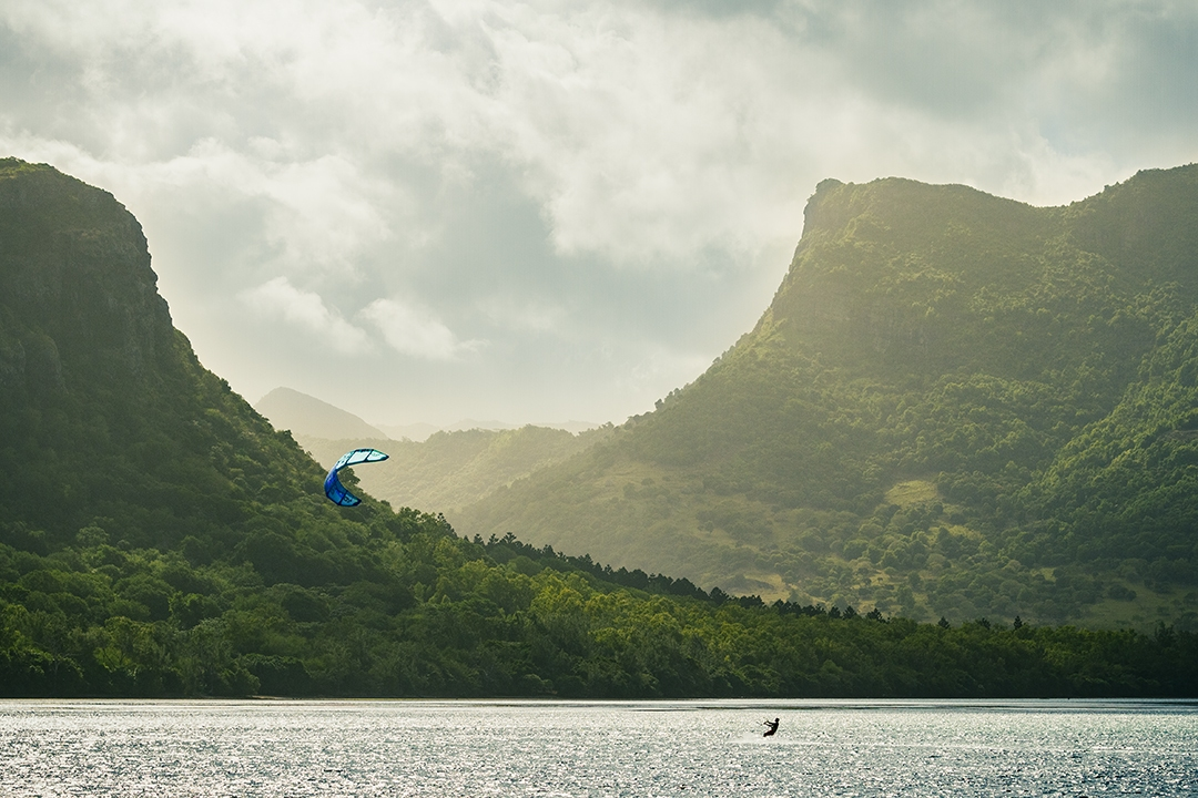 Windsurfing-the-green-island_by_sylphire