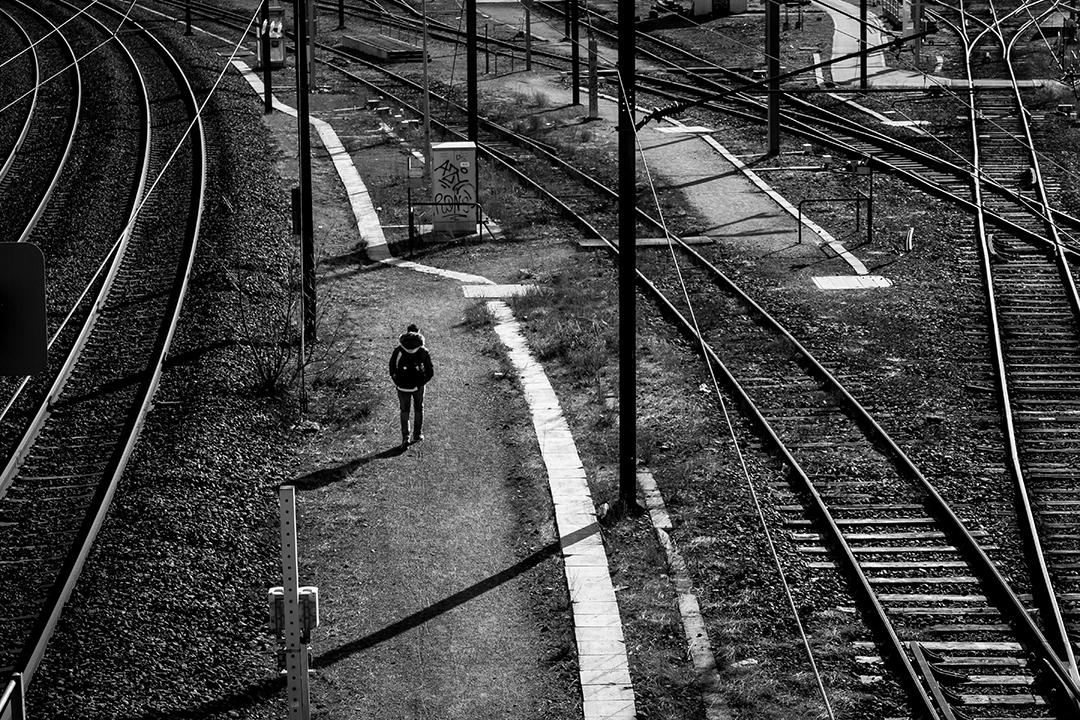 Marcher-entre-les-lignes_by_sylphire